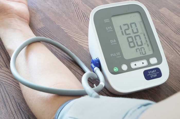 8 Tips To Deal With Your Blood Pressure Naturally
